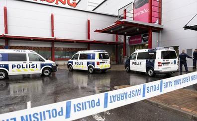 Un muerto y diez heridos en un ataque con sable en un centro educativo en Finlandia