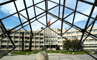 Los servicios de inteligencia españoles buscan talentos en un foro de empleo