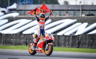 Márquez cierra un sexto título de MotoGP demoledor