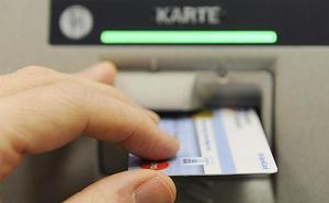 Detenido en Marbella por sustraer tarjetas bancarias a personas mayores en cajeros