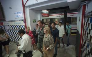 El sector turístico y los alcaldes se suman a la reivindicación de ampliar el horario del Cercanías