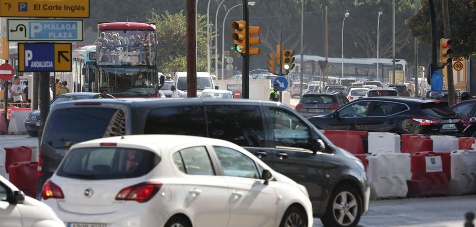 Los coches vuelven a circular en sentido sur por la Alameda de Colón