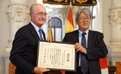 El gobierno de Japón distingue al alcalde de Málaga por «cultivar la amistad» de ambos países