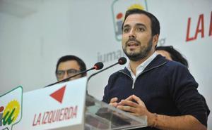 Alberto Garzón pide la dimisión de Tezanos
