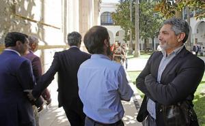 Cortés critica a Moreno por ser un «perdedor» y gobernar «gracias a Vox»
