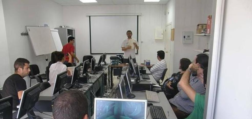 They offer five free courses on informatics and health that will be taught in November and December