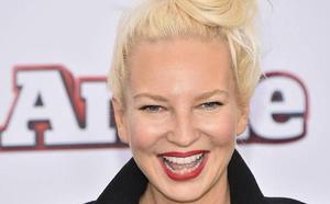 La cantante Sia desvela la enfermedad rara que padece