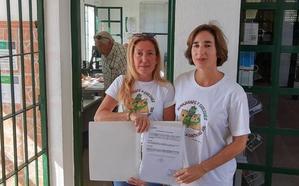 Vecinos recogen 300 firmas para reclamar una línea de autobús hasta Chilches