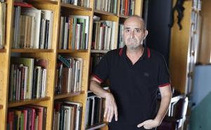 Ramón Palomar convierte las peleas de gallos en escenario de novela negra