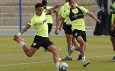 El Málaga anuncia una lista de 16 jugadores con la novedad del canterano Juande