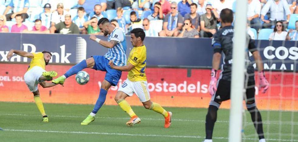 Reacción insuficiente y tardía del Málaga ante el Cádiz (1-2)