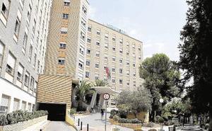 El Satse niega que enfermeros del Hospital Regional de Málaga cobrasen por trabajos no realizados