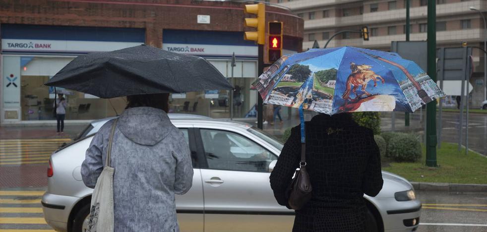Posibles lluvias en Málaga este lunes, aunque seguirán las temperaturas altas
