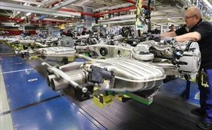BBVA se suma al escenario de desaceleración y rebaja al 1,9% su previsión de crecimiento