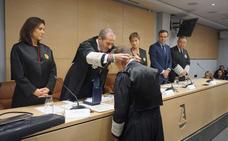 Javier Cremades recibe la Medalla de Honor del Colegio de Abogados