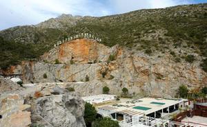 El PSOE de Marbella exige que se apremie a Starlite para que abone el canon