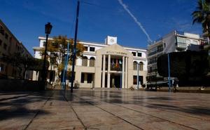 La oposición rechaza los planes del gobierno tripartito de privatizar el mantenimiento de las zonas verdes