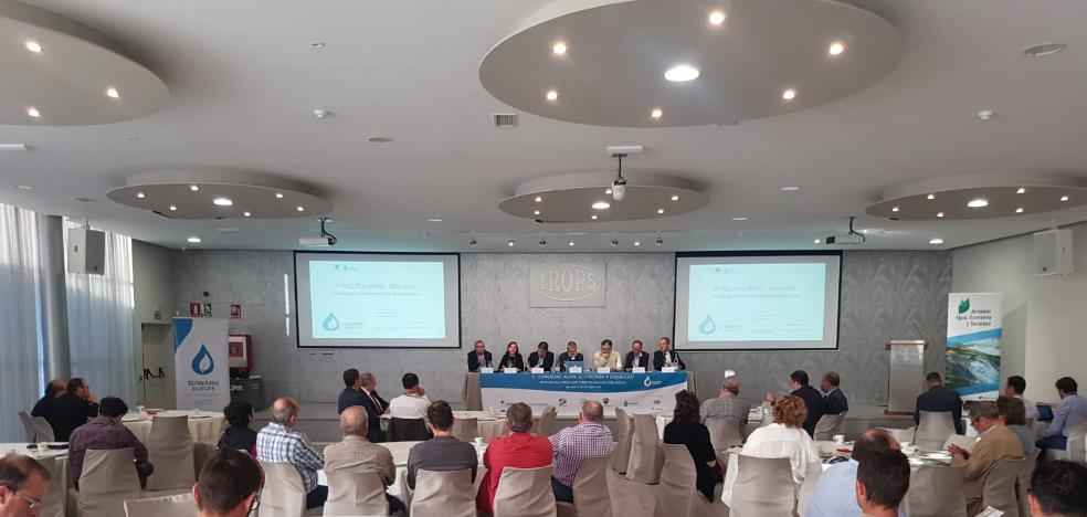 Expertos defienden en Vélez el uso para riego agrícola del agua regenerada