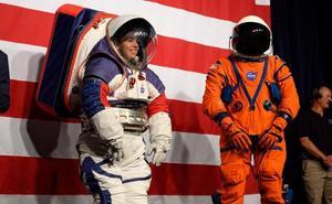 Estos son los nuevos trajes espaciales de la NASA para volver a la Luna