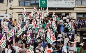 Arrecian las críticas sindicales por la falta de médicos y enfermeros en el Hospital Regional de Málaga