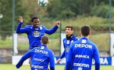 El Deportivo recupera jugadores y practica la estrategia antes de recibir al Málaga