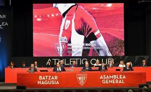 La Junta del Athletic rectifica y da por aprobados los presupuestos