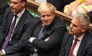 Un Johnson herido desafía de nuevo al Parlamento británico