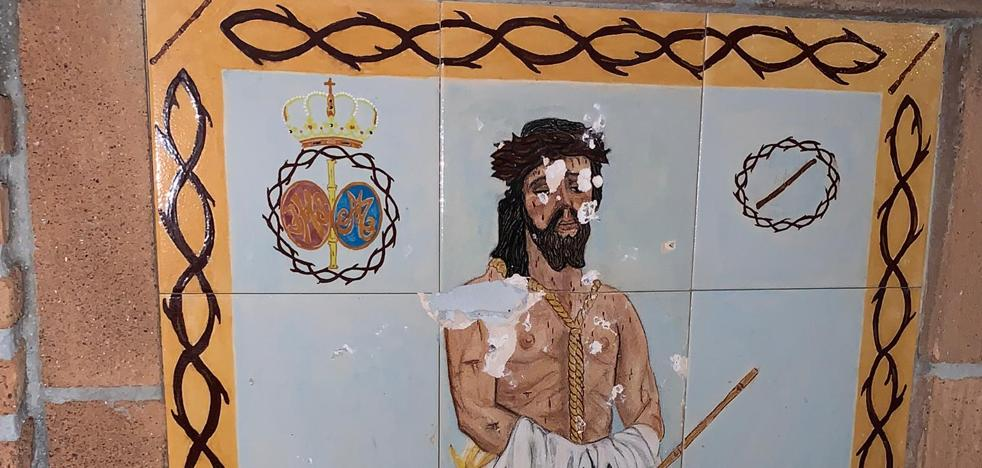 They denounce new acts of vandalism against the brotherhood of Ecce-Homo and the Virgin of Love of Vélez-Málaga