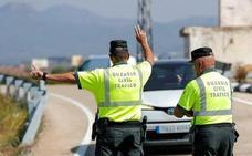 Agrede a una patrulla de la Guardia Civil que le dio el alto por conducción temeraria en Periana