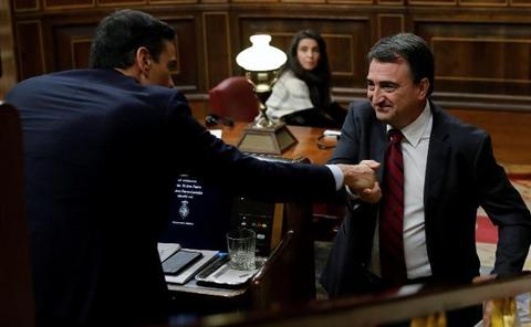 Pedro Sánchez, cerca de sumar los apoyos para subir los impuestos