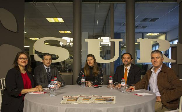 Eliana Fredes, Manuel Baca, Carmen Alcaraz, Oriol González y Emilio Pérez./Eva S. Melendo