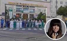 La voz de Vanesa Martín lleva un canto de aliento a los sanitarios del Hospital Regional de Málaga