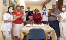 Socorro cumple cien años con buena salud y libre de coronavirus