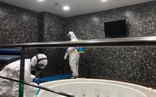 Las instalaciones de La Rosaleda se someten a una segunda desinfección
