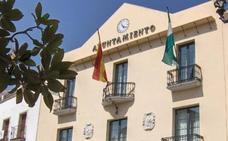 Polémica en Vélez-Málaga por la compra de 2.750 mascarillas con un eslogan turístico