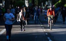 Un juez cita al alcalde de Madrid por cerrar los parques en pleno desconfinamiento