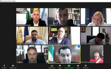 El PSOE pide explicaciones al alcalde de Estepona por participar en una videollamada con el presidente de la Junta mientras conducía