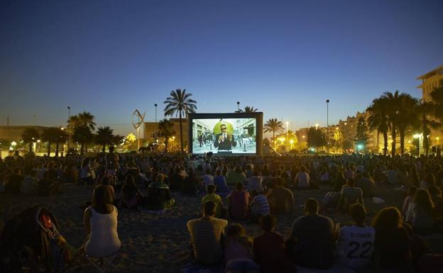 Vuelve El Cine De Verano A Málaga Un Programa Con 108 Proyecciones Gratuitas En 18 Espacios Diario Sur