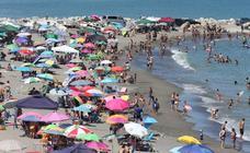 Así están las playas malagueñas en el primer día de las vacaciones