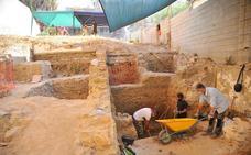 Sacan a la luz restos de hornos medievales junto al Museo del Vidrio en Málaga