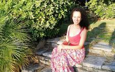 Almudena Martín, la empresaria que vive en un olivar de montaña en la Alta Axarquía