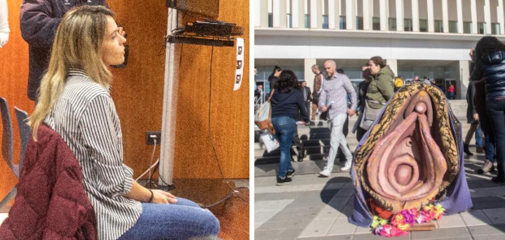 Comienza el juicio a la mujer que procesionó una vagina como si fuese una virgen en Málaga 1