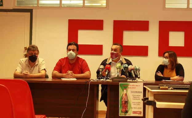 Representantes de CC OO y Podemos/IU en rueda de prensa.