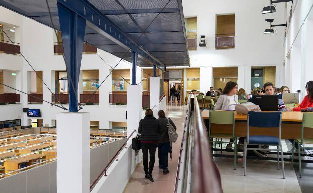 Facultad de Ciencias de la Educación, en una imagen de archivo. /SUR