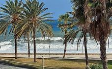 Málaga, en aviso amarillo este viernes por fuertes vientos y olas