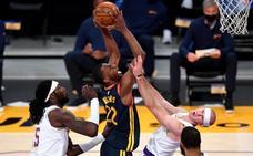 Los Lakers se pasean ante los Warriors