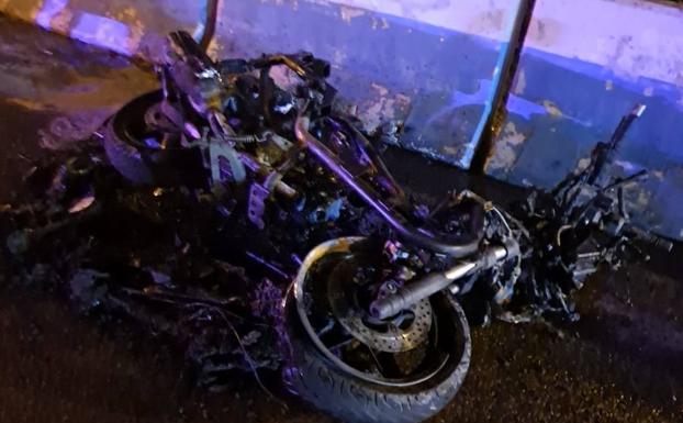 Un repartidor muere arrollado por una conductora que invadió el sentido contrario y trató de fugarse en Marbella