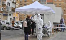 Andalucía suma 1.405 casos, cuatro muertes y su tasa Covid baja por segundo día hasta 187,7