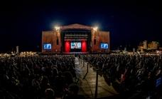 Marenostrum Fuengirola ensaya el primer concierto masivo con el público de pie y sin distancia en Andalucía