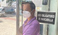 Un joven agrede a un tendero chino de Pedregalejo que no le dejó pasar a su local por no llevar mascarilla
